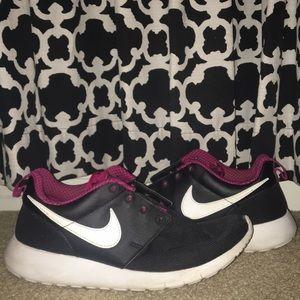 Nike Roshe (Dark Pink and Black)